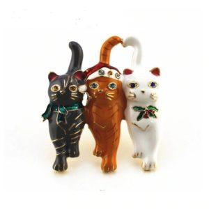 Broche trio chats